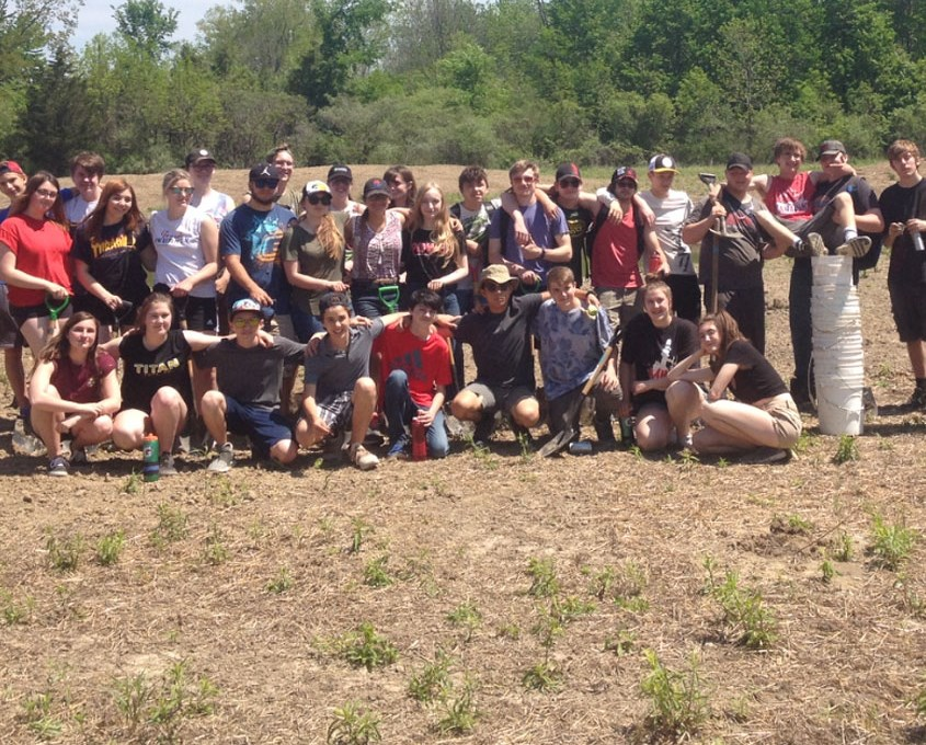 CECI Students after planting 1,500 trees